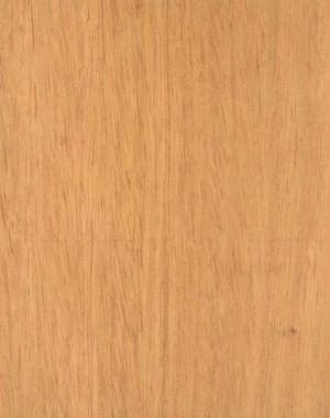 Folheado de Cerejeira Brasileira
